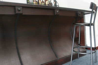 Bars Outfitted for Entertaining