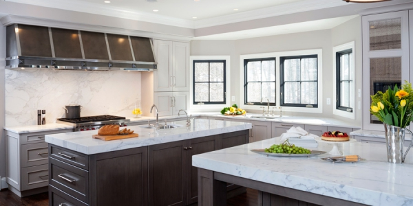Kitchen Islands and Cabinets